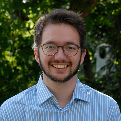 Dr. Jona van Laak
